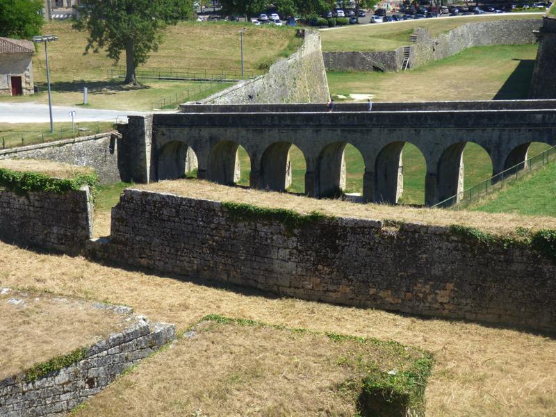 Le pont de la Porte Royale